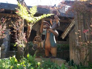 Brer Fox and friends - Critter Country - Disneyland 2010