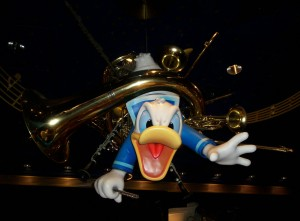 Donald Duck bronze - Mickey's Philharmonic - Magic Kingdom Park - Walk Disney World - 2009