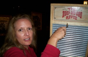 Me and my washboard - Hoop Dee Doo Revue - Fort Wilderness - Walt Disney World - 2009