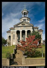 Old courthouse, Vicksburg, Mississippi. Photo courtesy Google Iimages.